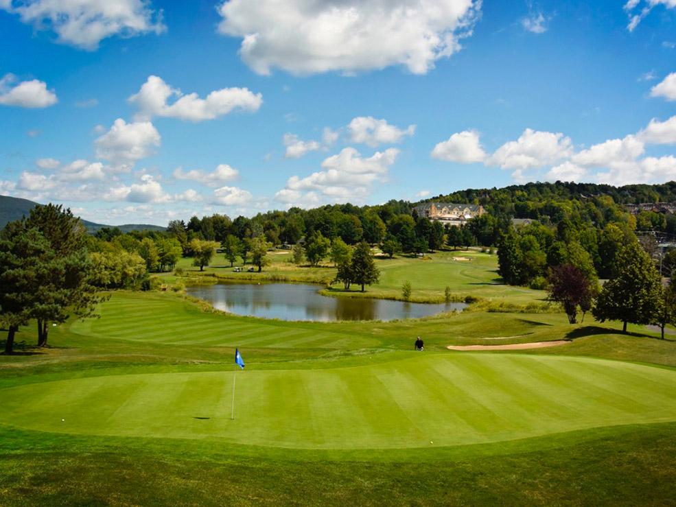 Golf Château-Bromont - Réservez votre départ au 450 534-1199